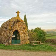 saint-pierre-le-vieux-grotte.jpg
